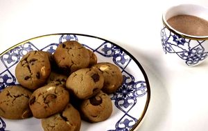 Cookie tradicional e chocolate quente