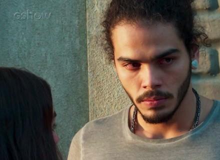 Luciana coloca Pedro contra a parede