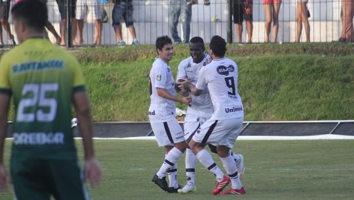 ABC x Cuiabá comemoração Jones Carioca (Foto: Fabiano de Oliveira)