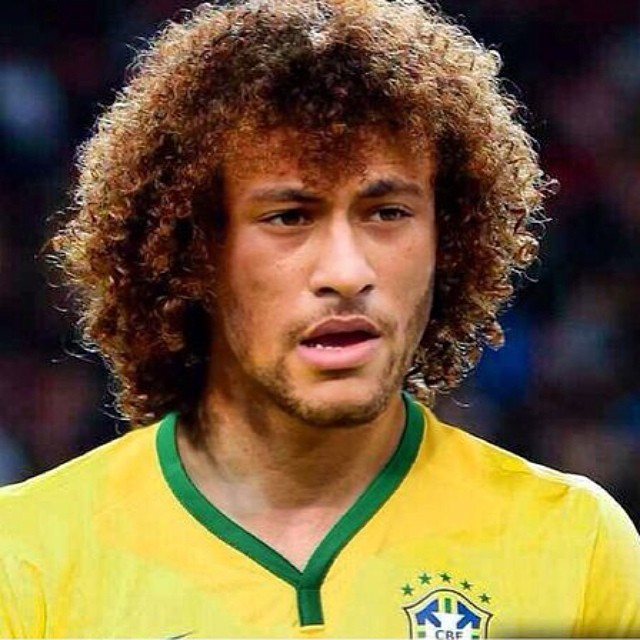 Neymar brinca com a aparência dele e de David Luiz