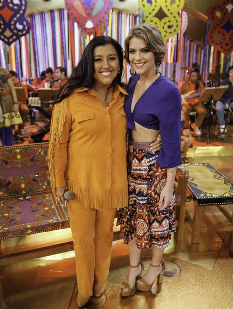 Regina Casé e Isabella Santoni (Foto: João Januário/TV Globo)