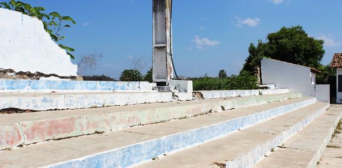 Muro do Estádio Juca Fortes, em Barras (Foto: Josiel Martins )