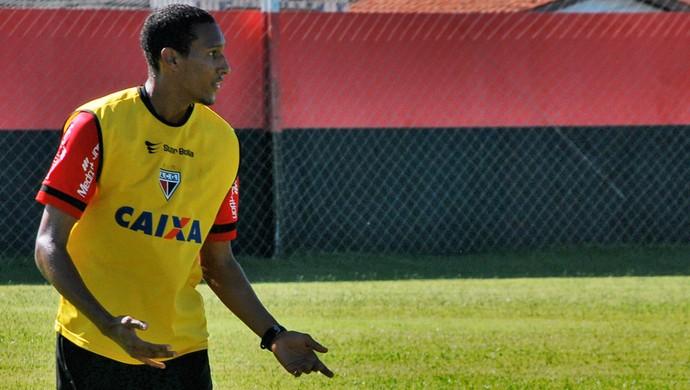Artur - zagueiro Atlético-GO (Foto: Guilherme Salgado / Site Oficial do Atlético-GO)