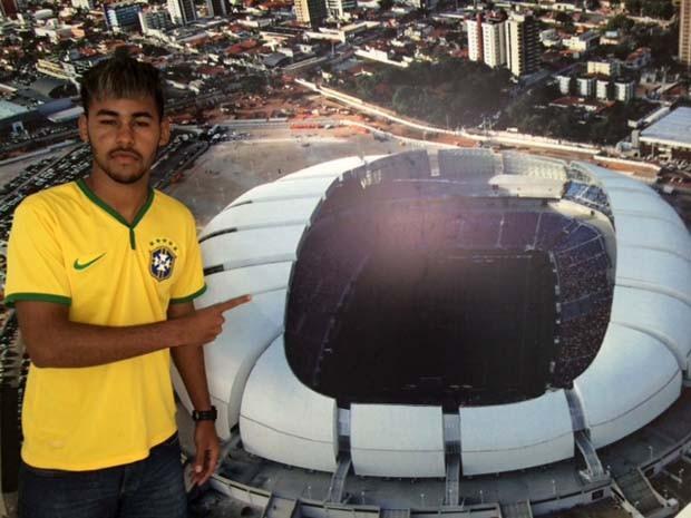 Estudante sonha em ser jogador de futebol (Foto: Fernanda Zauli/G1)