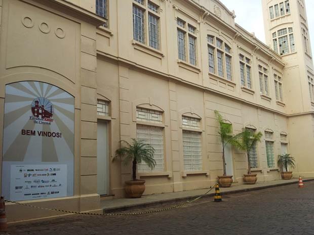Uma das fábricas de cerveja mais antigas de Ribeirão recebe programação da Feira do Livro (Foto: Rodolfo Tiengo/ G1)