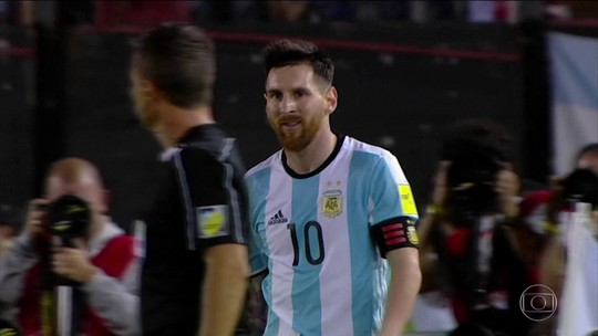"""Vidal, sobre """"alívio"""" para Messi: """"Quem dera as regras fossem iguais para todos"""""""