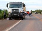 Criança de 5 anos atravessa rodovia para fazer xixi e morre atropelada