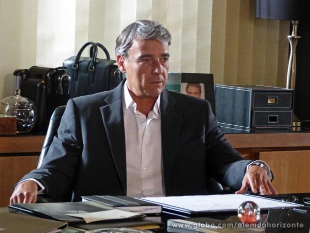 Thomaz diz que só libera o dinheiro quando souber de Lili (Foto: Além do Horizonte/TV Globo)