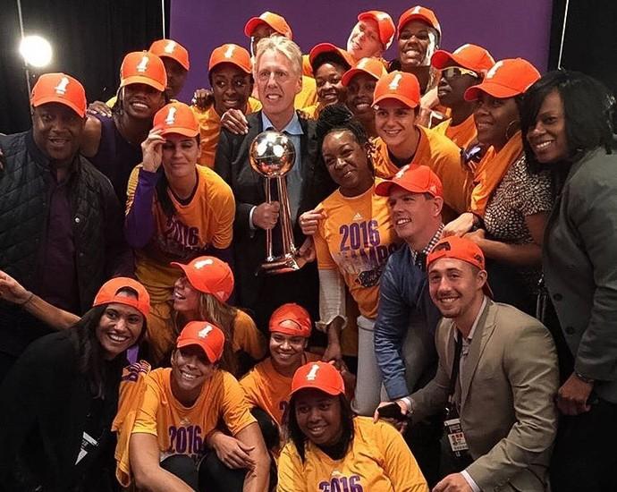 Los Angeles Sparks campeão WNBA (Foto: Reprodução / Twitter Los Angeles Sparks)