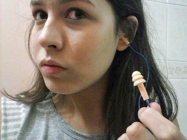 Mônica Freire, de 17 anos, diz ter recebido protetores auriculares para fazer o Enem ao lado do Autódromo de Interlagos, onde aconteceu o GP de F1 (Foto: Arquivo pessoal/Mônica Batista Freire)