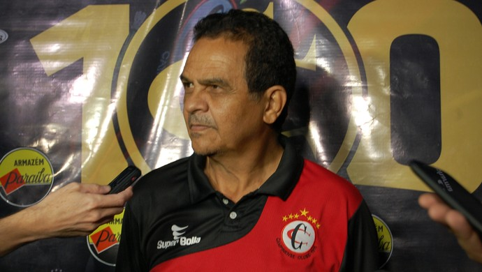 Francisco Diá, técnico do Campinense (Foto: David Henrique / TV Paraíba)