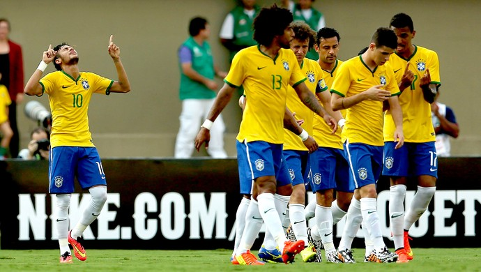 Neymar comemora gol amistoso Brasil x Panamá (Foto: Mowa Press)