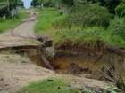 Morador flagra cratera em rua de Óbidos (Divulgação/VC no G1)