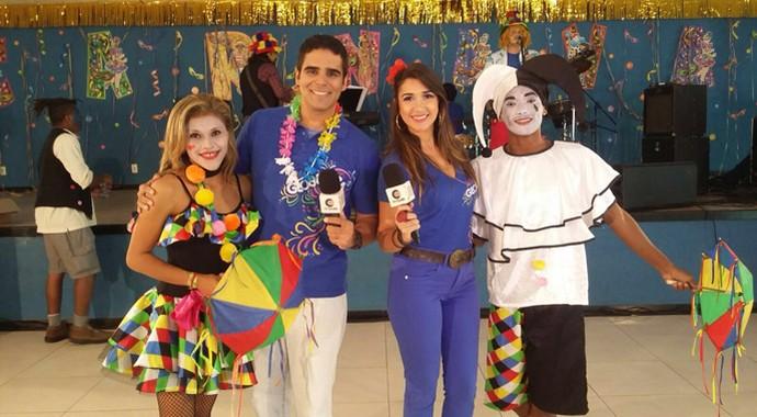 Apresentadores durante gravação do programa (Foto: Gshow/ Rede Clube)