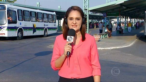 Carla Suzanne falou ao vivo sobre o aumento da passagem de ônibus em Aracaju (Foto: Divulgação/TV Sergipe)