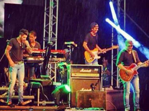 Guitarrista de Gusttavo Lima ficou surpreso com a notícia (Foto: Reprodução/Facebook)