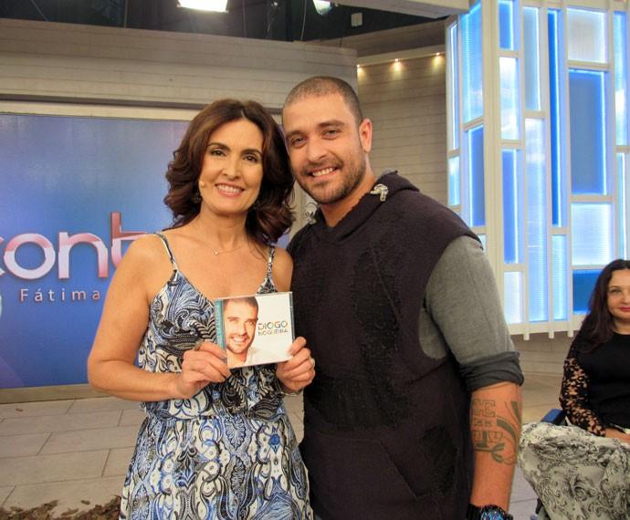 Fátima com o cantor Diogo Nogueira  (Foto: Priscilla Massena/Gshow)