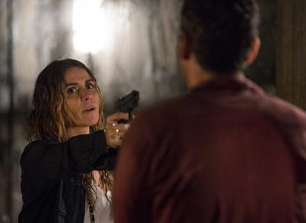 Romero fica na mira de Atena: 'Acaba logo com isso, atira!'