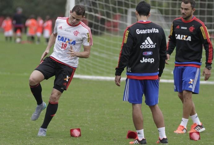 Jonas treina a parte física no Ninho do Urubu (Foto: Gilvan de Souza / Flamengo)