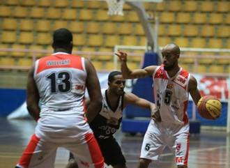 América e Bauru fazem confronto por vaga no G-8 do Paulista de basquete 0fddb290cc539