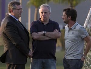 Mario Gobbi, Roberto de Andrade, Duilio Monteiro Alves - diretoria do Corinthians (Foto: Daniel Augusto Jr / Agência Corinthians)