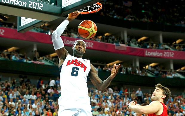 LeBron James na final do basquete entre Estados Unidos e Espanha (Foto: Reuters)
