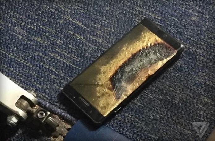 Galaxy Note 7 queimado após suposto incidente com bateria (Foto: Reprodução/Brian Green/The Verge) (Foto: Galaxy Note 7 queimado após suposto incidente com bateria (Foto: Reprodução/Brian Green/The Verge))
