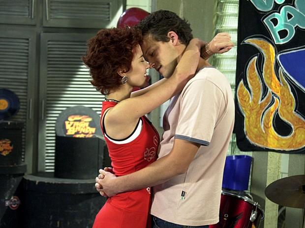 Na trama, Gustavo fica em dúvida, mas acaba namorando Natasha (Foto: Gianne Carvalho / TV Globo)