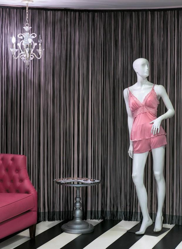 """45daaf10a A loja-modelo do shopping Iguatemi (SP) tem """"provadores-cenário"""""""
