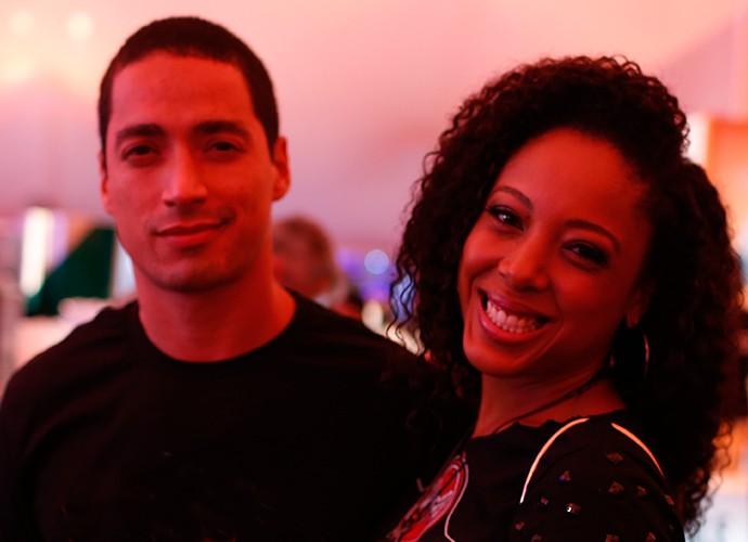 Negra Li e o marido Carlos Crésio (Foto: Jonas Feitosa/Gshow)