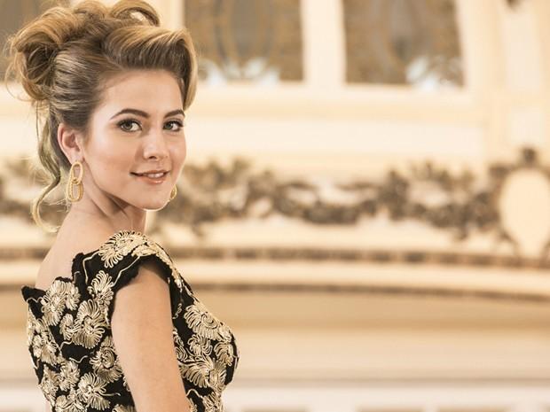 Hanna esbanja elegância em roupa de gala (Foto: Inácio Moraes/Gshow)