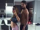 Paula Morais mostra barriguinha de grávida em foto