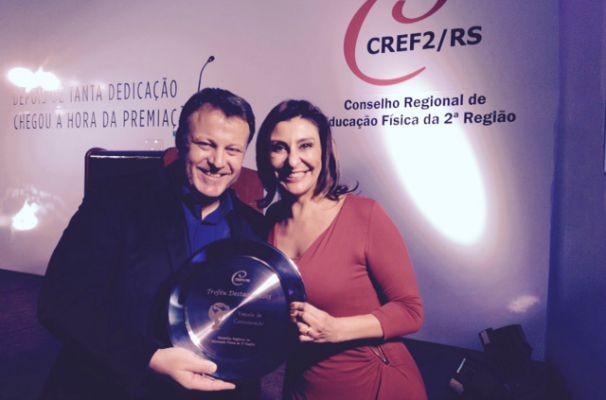 Fernando Alencastro e Laura Medina receberam o prêmio (Foto: Arquivo Pessoal)