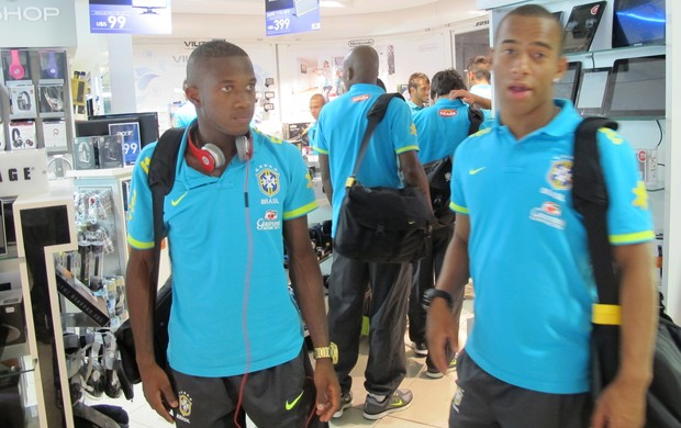Fred e Ademílson seleção brasileira sub-20 (Foto: Marcelo Baltar/Globoesporte.com)