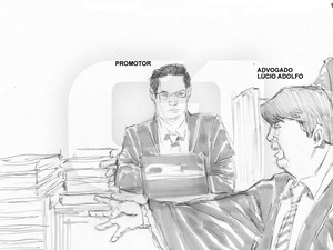07/03/2013 - Advogado Lúcio Adolfo fala em direção ao promotor (Foto: Léo Aragão/G1)