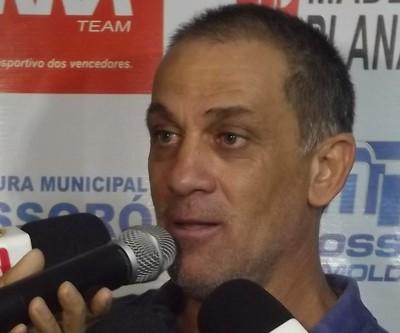 Celso Teixeira, técnico do Potiguar de Mossoró (Foto: Marcelo Diaz/Divulgação)