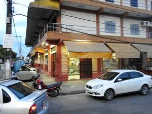 Comerciantes relatam constantes assaltos no bairro Planalto (Foto: Rickardo Marques/G1 AM)