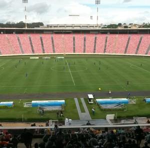 Uberlândia Esporte em jogo-treino com o Comercial de Ribeirão Preto (Foto: Leandro Moreira)