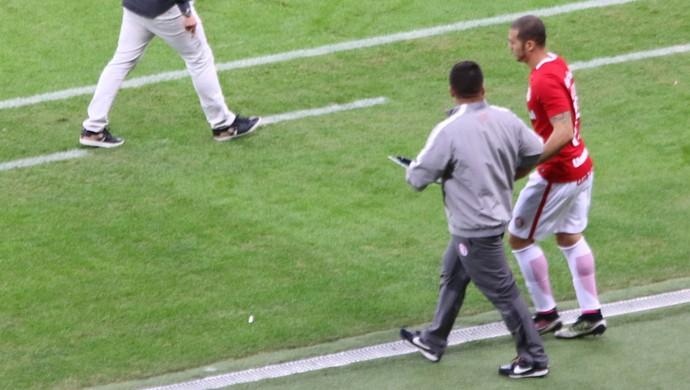 Nilton se prepara para entrar contra o Sport  (Foto: Tomás Hammes)