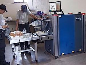 Presídio Jacy de Assis uberlândia vistoria radiografia (Foto: Reprodução/ TV Integração)
