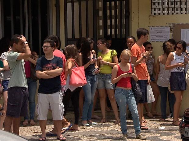 Vestibular da UNEB, na Bahia, 2013 (Foto: Imagem/TV Bahia)