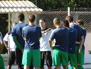Junior Rocha conversa elenco do Luverdense (Foto: Divulgação/Assessoria)