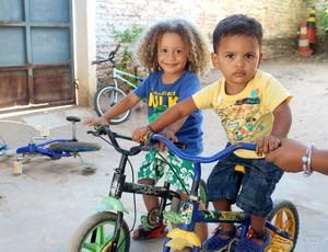 Sósias de Thiago Silva e David Luiz  (Foto: Josiel Martins )