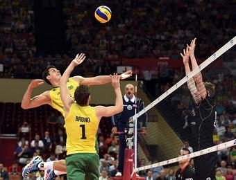 Brasil x Alemanha Bruninho Sidão Mundial vôlei (Foto: Divulgação/FIBV)