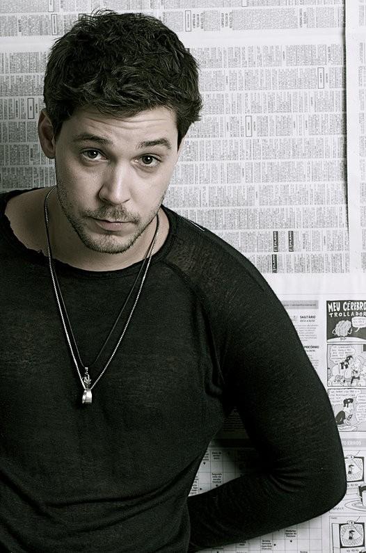 Bruno Torres (Foto: Reprodução/ Site Oficial)