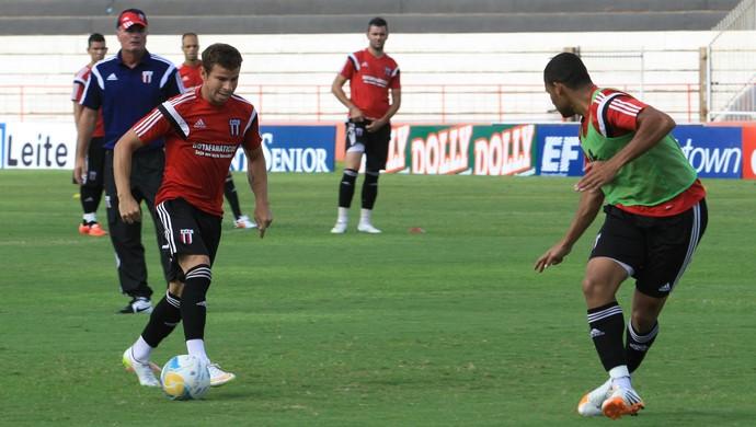 Mazola Junior, técnico do Botafogo-SP (Foto: Luis Augusto / Agência Botafogo)