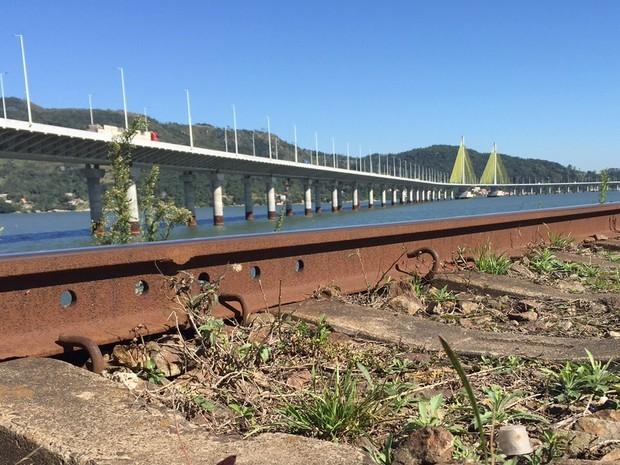 Pontes fazem parte da paisagem de Laguna (Foto: Marco Antonio Mendes/RBS TV)