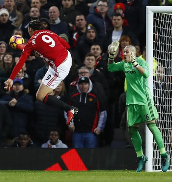 Zlatan Ibrahimovic Manchester United Middlesbrough (Foto: Jason Cairnduff/Reuters)