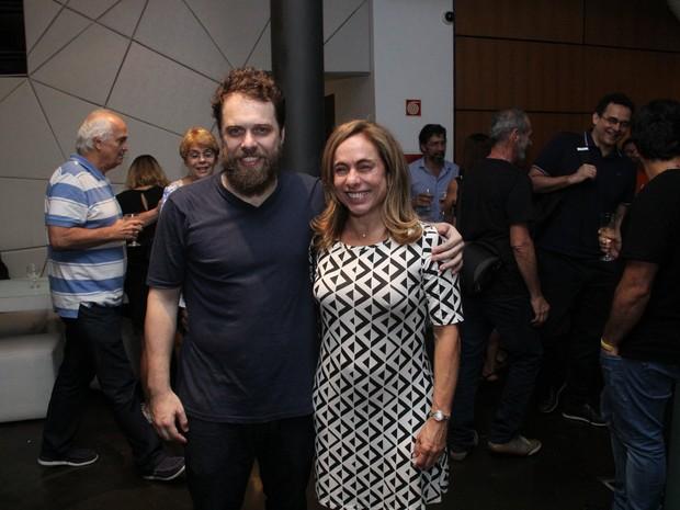 Cissa Guimarães e o filho João Velho em estreia de peça na Zona Sul do Rio (Foto: Wallace Barbosa/ Ag. News)
