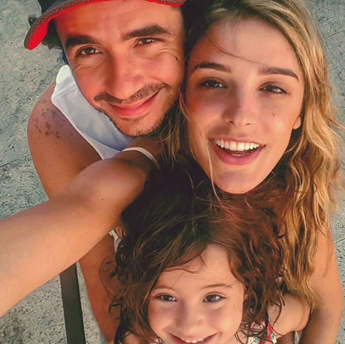 Rafa Brites em um momento fofura com o marido, Felipe Andreoli, e a sobrinha Miranda (Foto: Arquivo pessoal)
